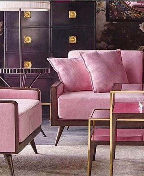 インテリアの主役になるピンクカラー家具