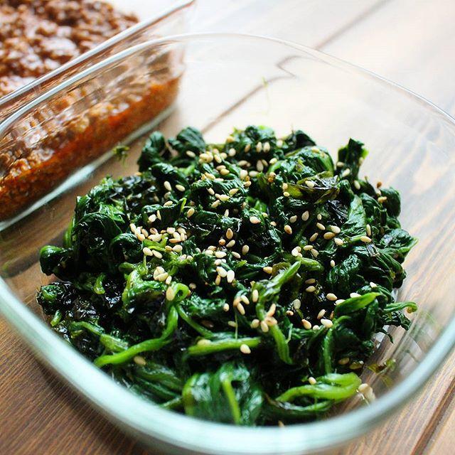 八宝菜の副菜に!ほうれん草と韓国のりのナムル