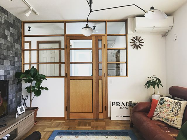 窓枠と一体化させた斬新なデザイン