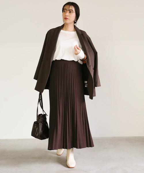 テーラードジャケット×プリーツニットスカート