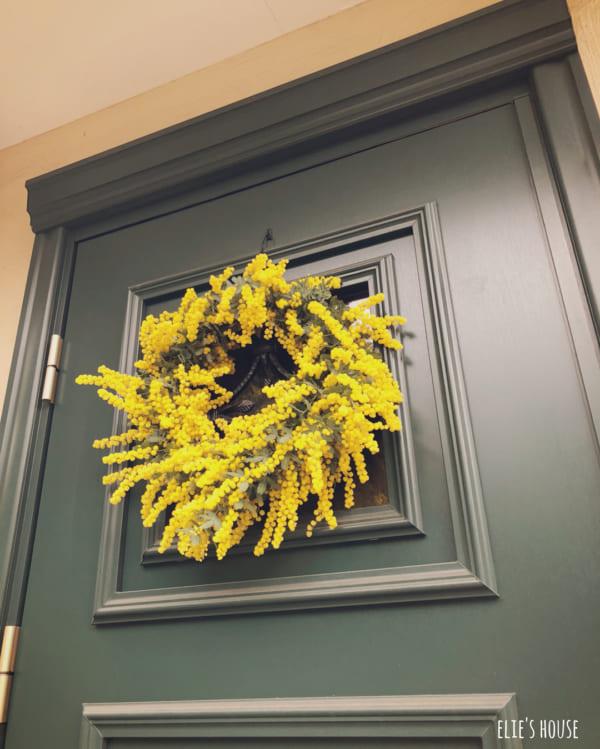 黄色リースでおしゃれ玄関