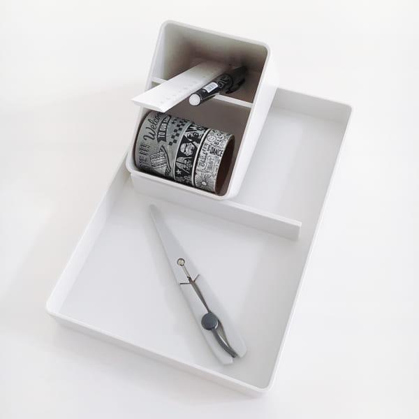 斜めが使いやすいペン・小物スタンド