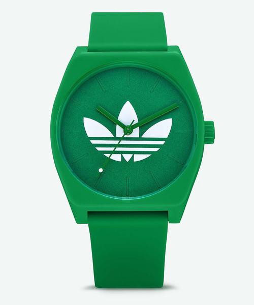 カラーバリエーション豊富なブランド腕時計