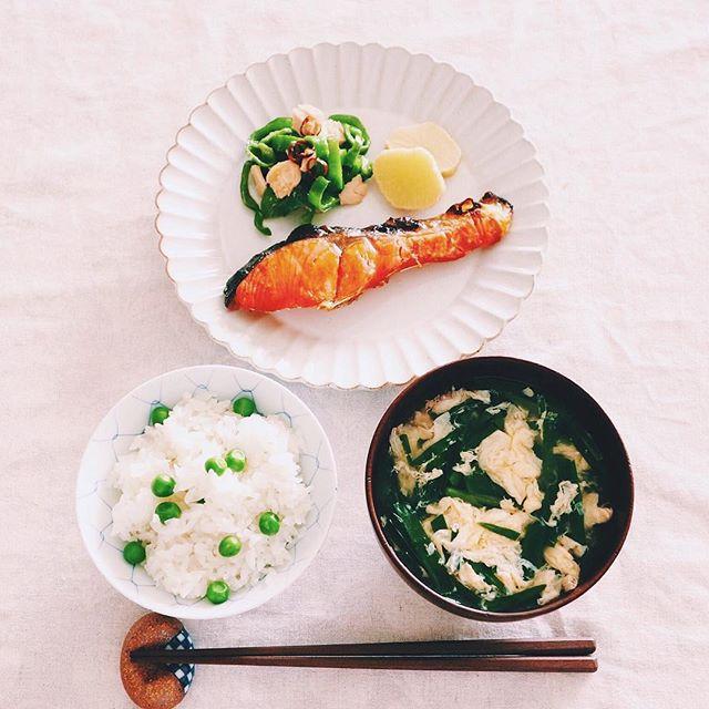美味しい簡単な料理に!ニラと卵のおつゆ