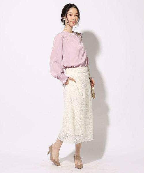 ピンクブラウス×レースタイトスカート