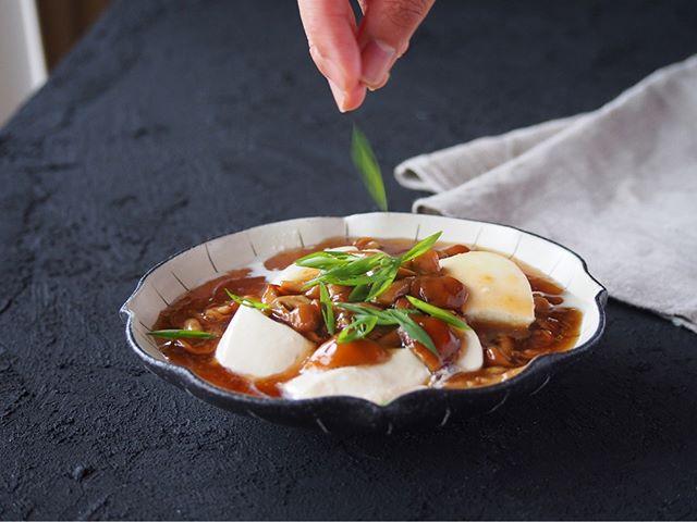 チャーハンの副菜に!おぼろ豆腐のなめこあん
