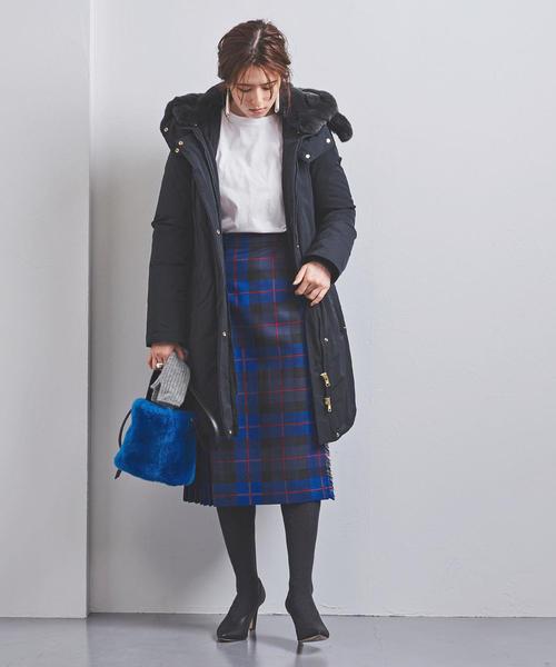 ダウンコート×チェック柄スカート