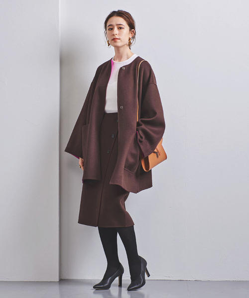 ノーカラーコート×タイトスカート