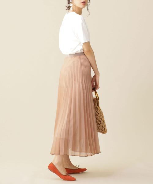 ベージュプリーツスカートを使ったOLコーデ