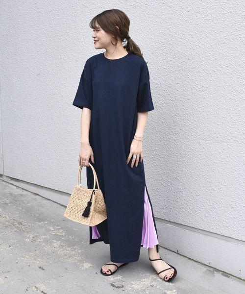差し色スカートがおしゃれな沖縄の服装