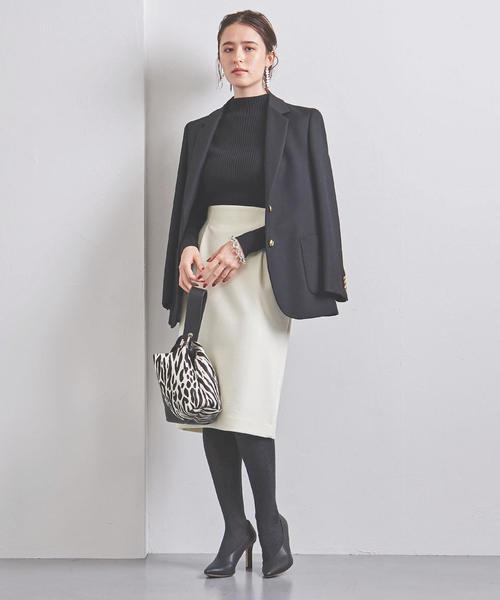 テーラードジャケット×タイトスカート