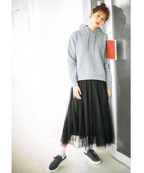 グレーパーカー×チュールロングスカート