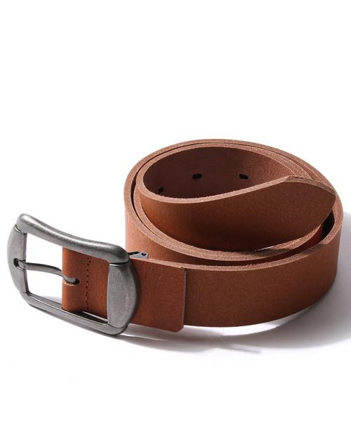 制服にも私服にも使えるシンプルなベルト