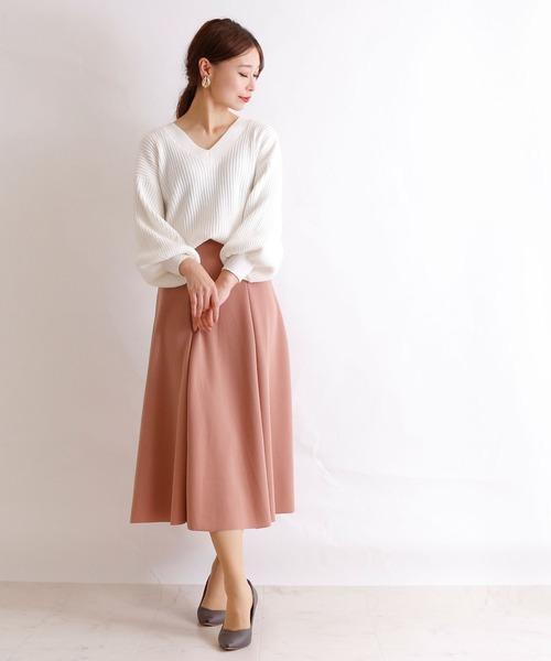 ボリューム袖ニット×ピンクスカートの冬コーデ