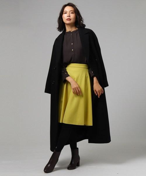 ロングコート×フレアスカート