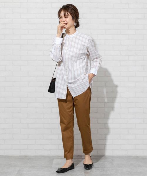 40代向け夏のオフィスカジュアル:パンツコーデ7