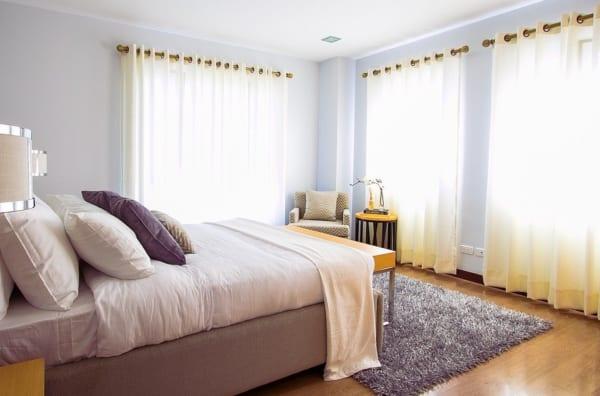海外のベッドルームインテリア《ホテル風》10