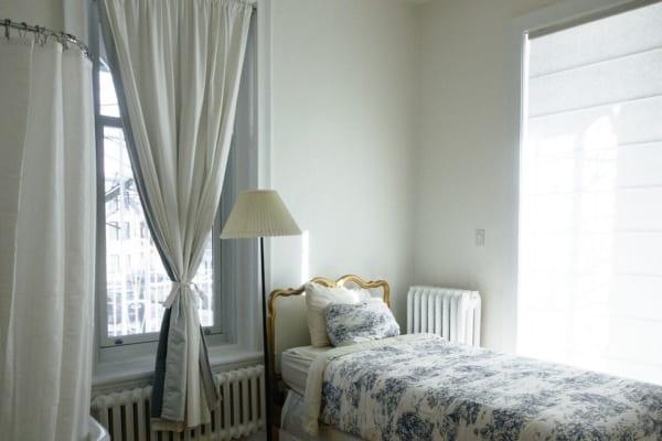海外のベッドルームインテリア《ホテル風》9