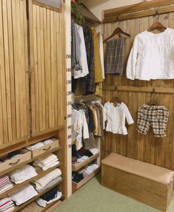 洋服の見せる収納アイデア《フック》3