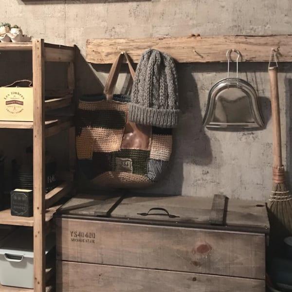 木製の蓋をつけた収納ボックス