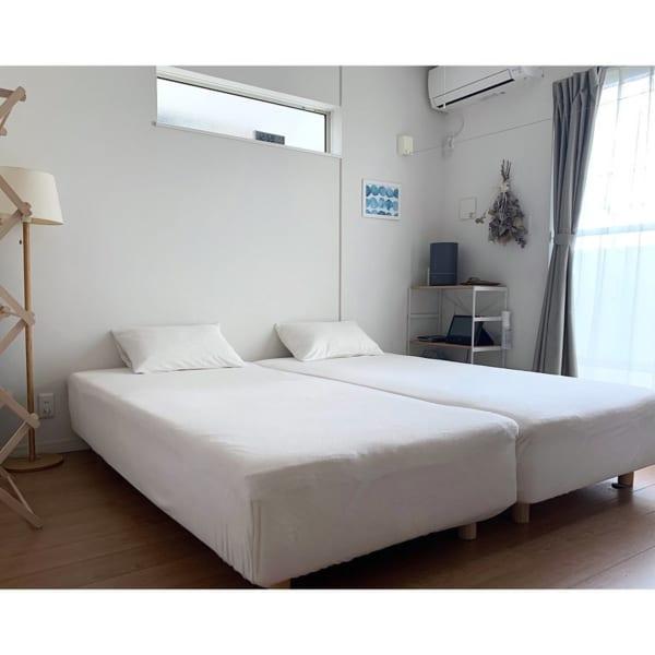 シンプルで心地よいベッドルームインテリア