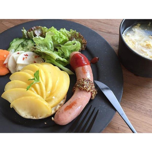 お料理が映える黒いワンプレートの朝ごはん