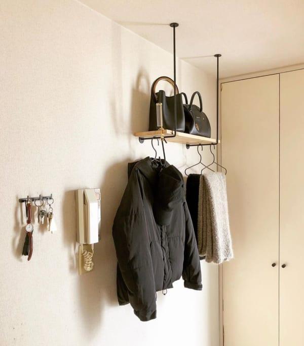 洋服の見せる収納アイデア《壁付けバー》3