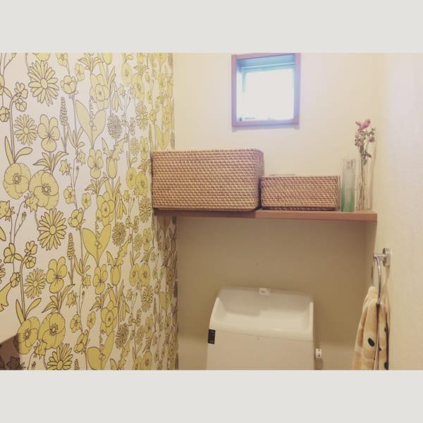 黄色×花柄のナチュラルトイレ