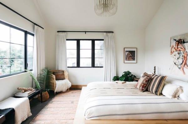 シンプルでナチュラルな寝室