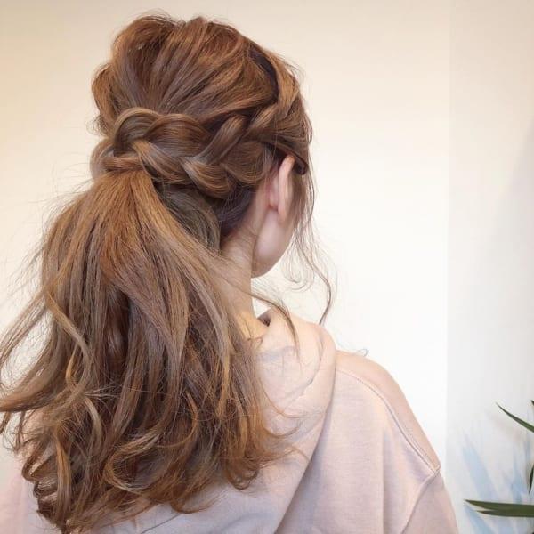 ゴム1本で可愛くなれるまとめ髪