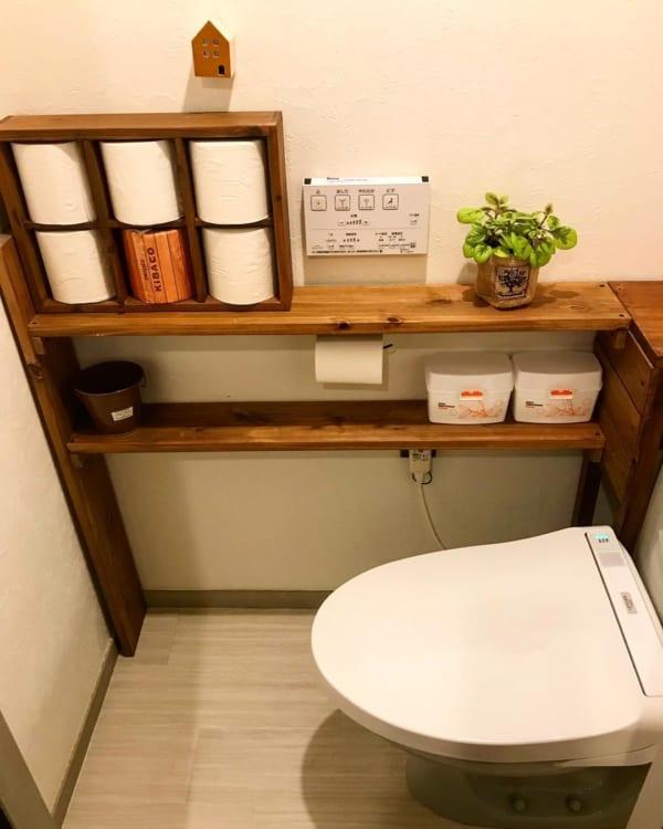 棚の上に木箱を置くだけの簡単ペーパー収納
