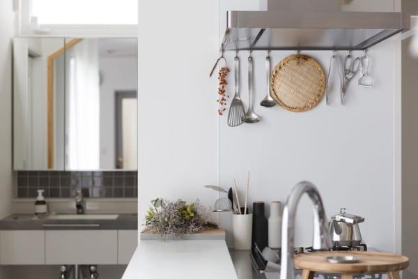 キッチンの見せる収納アイデア《調理器具》