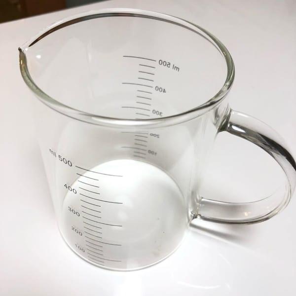 耐熱ガラスの計量カップ