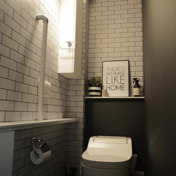 サブウェイタイル風クロスが可愛いトイレ