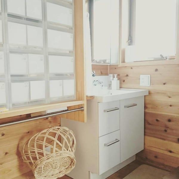 木の温もりが溢れる洗面所