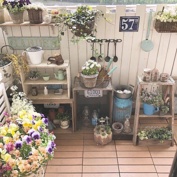 お花いっぱいのベランダ