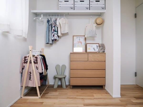 洋服の見せる収納アイデア《クローゼット》4