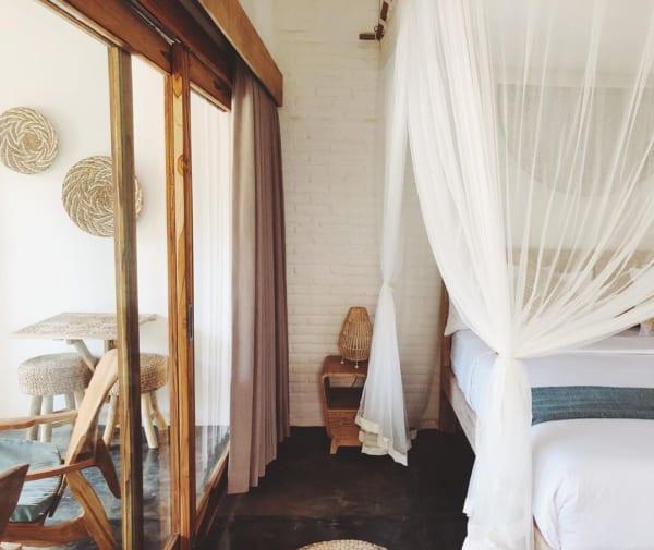 海外のベッドルームインテリア《ホテル風》