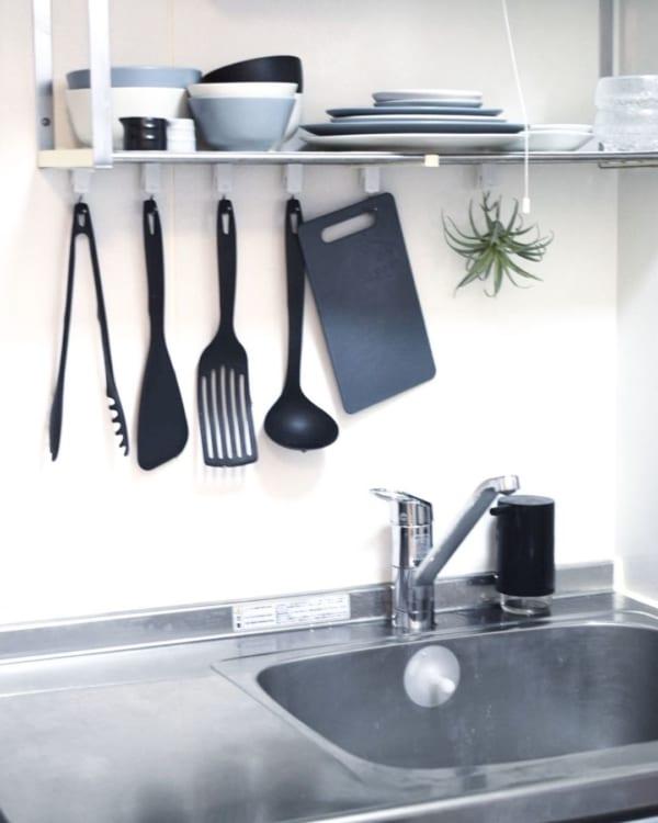 キッチンはオープン収納が便利