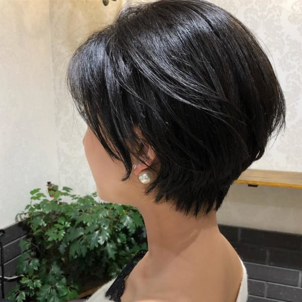 クールな印象の黒髪×ショート