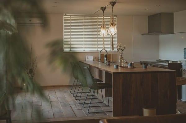 カフェ風キッチンインテリア≪テーブル≫3