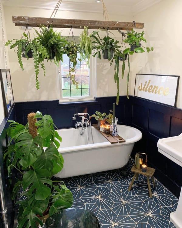 自然を感じるバスルーム