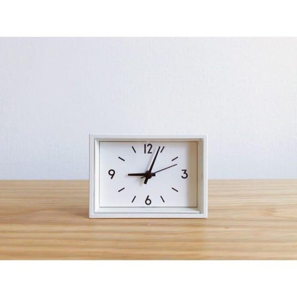 小ぶりで好きな場所に置ける駅の時計ミニ