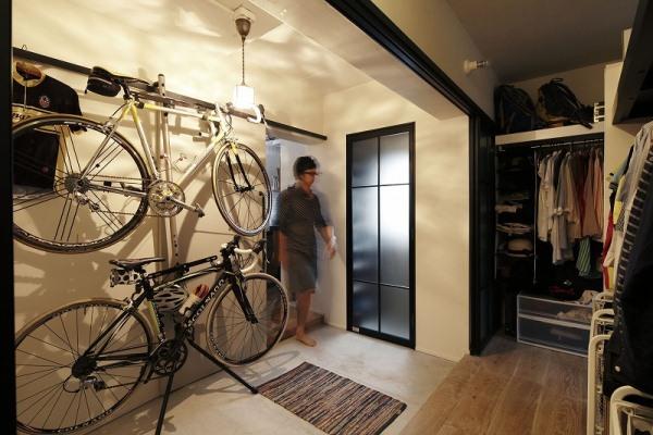 自転車を楽しむための立地と、広い土間へのこだわり