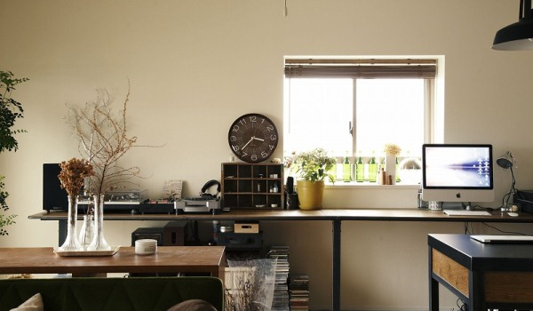 家具のようなデザインで、楽しく料理ができるキッチンに2
