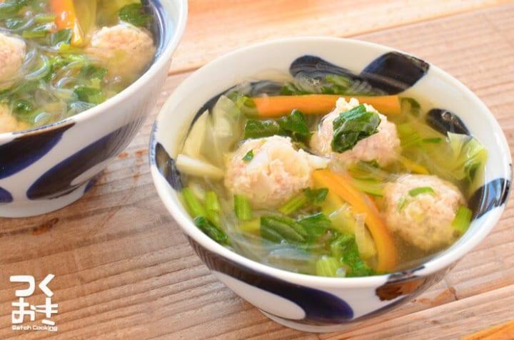 野菜たっぷり!和風鶏だんご春雨スープ