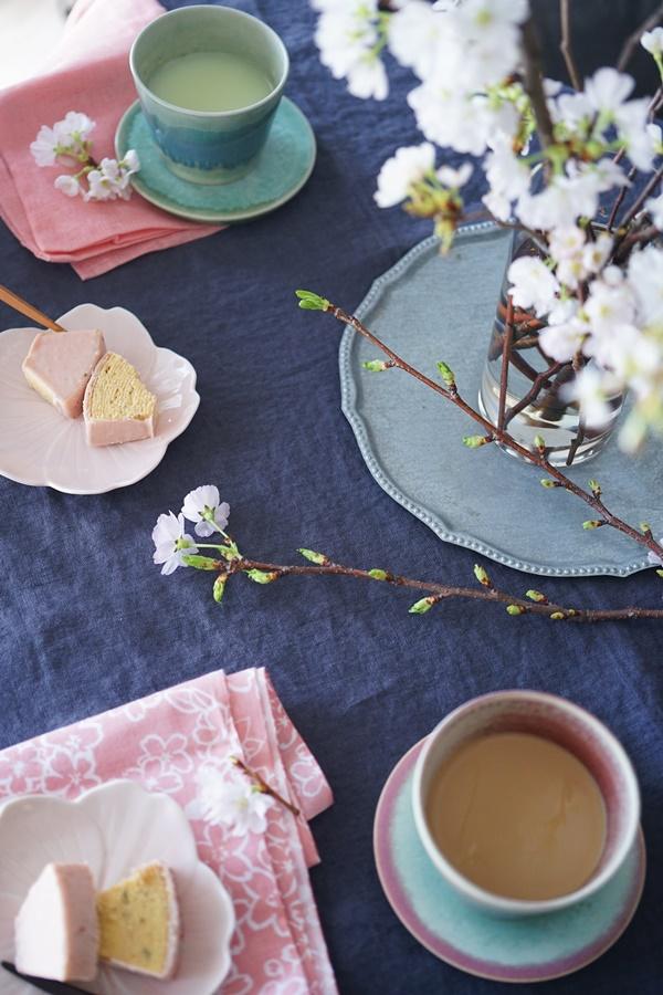 桜と春の花の活け方7