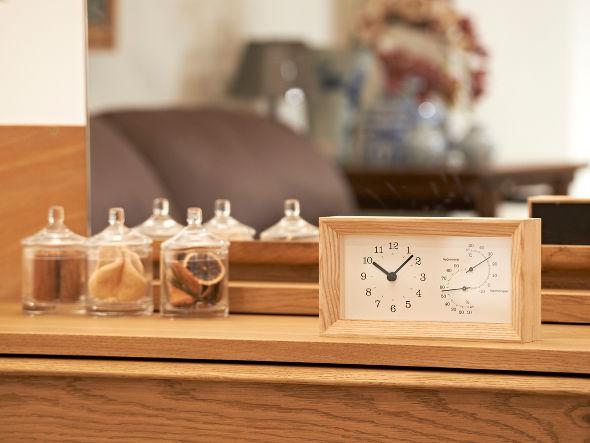 温湿度計の着いたウッドフレームクロック