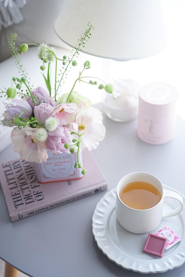 桜と春の花の活け方9