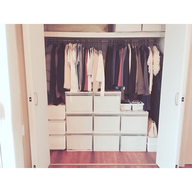 狭い部屋の収納アイデア《洋服》2